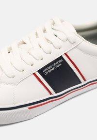 Benetton - CRISPY - Sneakers basse - white/navy - 6