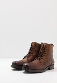 Jack & Jones - JFWRUSSEL - Lace-up ankle boots - cognac - 2