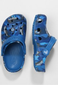 Crocs - CLASSIC SHARK CLOG CHILDREN  - Clogs - prep blue - 1