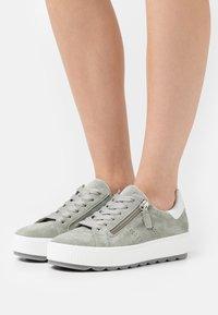 Gabor Comfort - Sneakers laag - pinot - 0