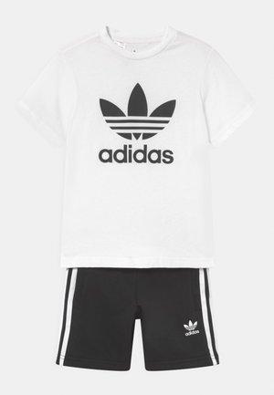 SHORT TEE SET UNISEX - Pantalones deportivos - white/black