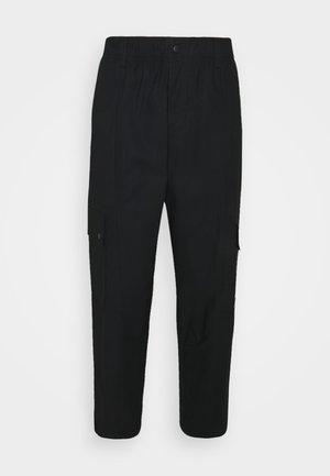 ESSEN UTILITY PANT - Teplákové kalhoty - black
