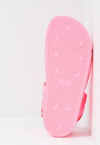 adidas Originals - PW ADILETTE  2.0  - Sandaalit nilkkaremmillä - hyper pop - 5