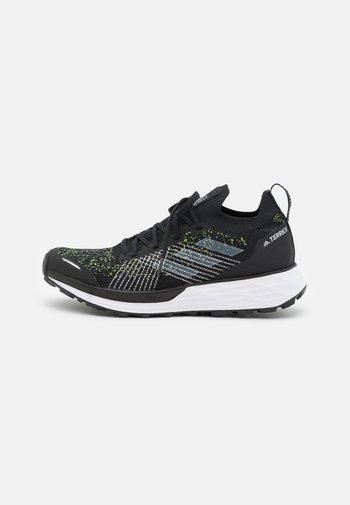 TERREX TWO PARLEY TRAIL RUNNING - Neutrala löparskor - core black/footwear white/solar yellow