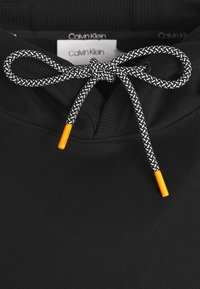 Calvin Klein - VERTICAL SIDE LOGO HOODIE - Felpa con cappuccio - black - 5