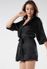 Intimissimi - KIMONO AUS SEIDE - Dressing gown - nero - 2