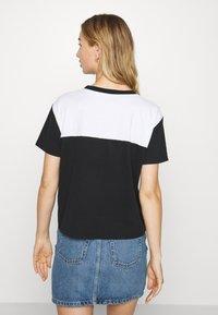 Hollister Co. - SPORTY - Camiseta estampada - black/white - 2