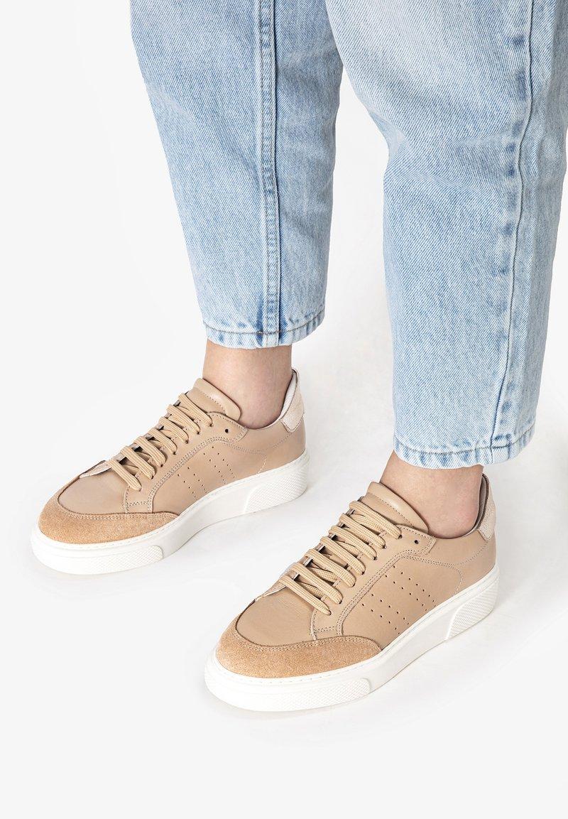 Inuovo - Sneakersy niskie - nude multi num