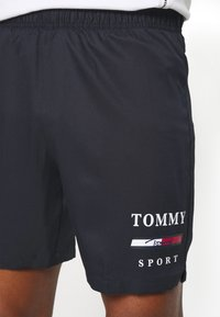 Tommy Hilfiger - GRAPHIC - Sports shorts - blue - 4