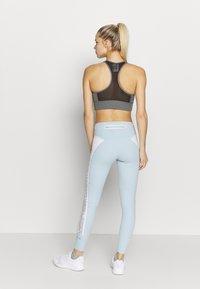 adidas by Stella McCartney - Legginsy - blue/white - 2