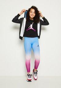 Jordan - JORDAN ESSENTIALS - Legging - hyper violet - 3