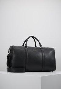 Valentino by Mario Valentino - WOLF  - Weekend bag - nero - 1