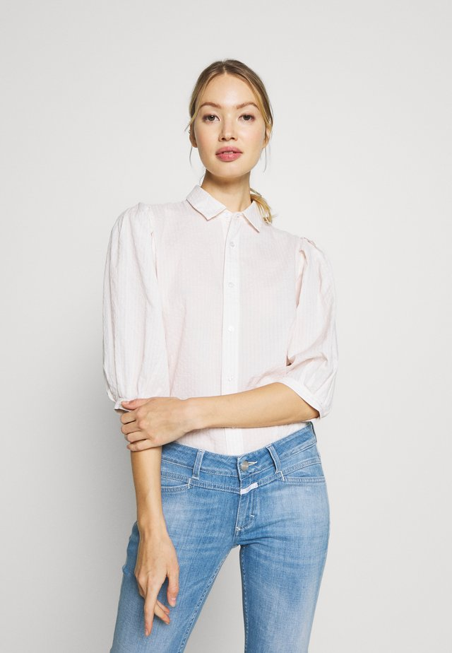 INES PLEAT HALF SLEEVE - Button-down blouse - flstr