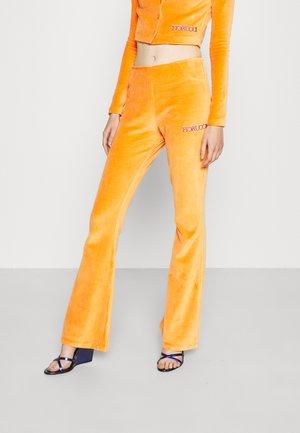 LOGO PANT - Trainingsbroek - orange