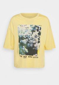 Marc O'Polo - SHORT SLEEVE - Print T-shirt - yellow - 0