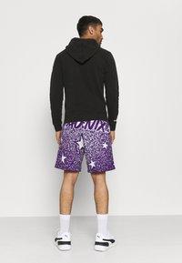 Mitchell & Ness - NBA LOS ANGELES LAKERS WORN LOGO HOODY - Club wear - black - 2