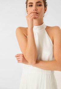 IVY & OAK BRIDAL - NECKHOLDER BRIDAL - Occasion wear - white - 3