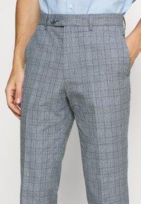 Jack & Jones PREMIUM - JPRRAY CHECK TROUSER - Trousers - grey melange - 3