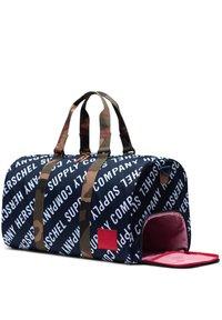 Herschel - NOVEL DUFFEL TASCHE - Sports bag - roll cast peacoat / woodland camo - 2