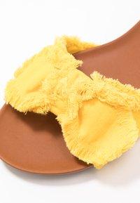 Anna Field - Mules - yellow - 2