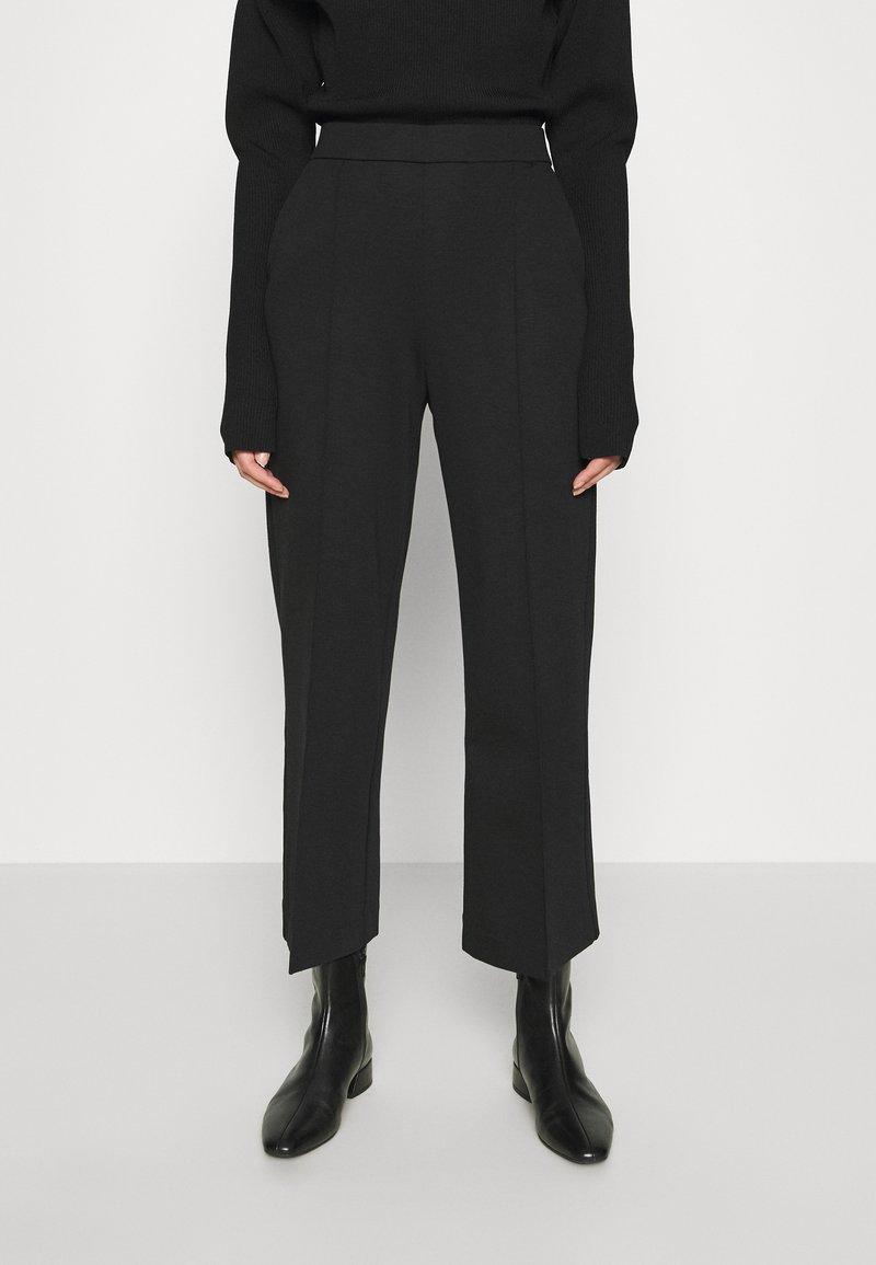 ARKET - WIDE LEGGED TROUSER - Trousers - black