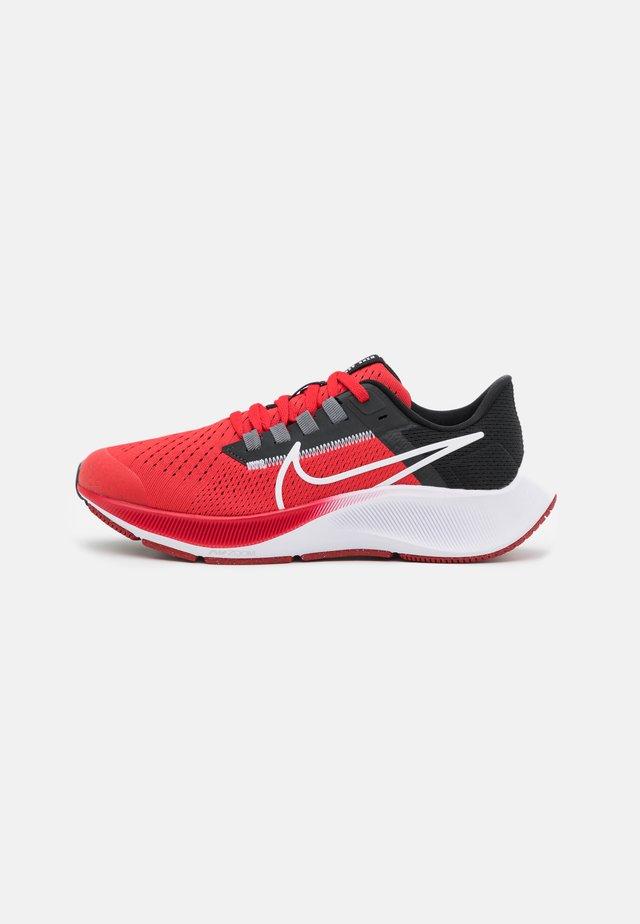AIR ZOOM PEGASUS 38 UNISEX - Competition running shoes - university red/white/black/dark smoke grey