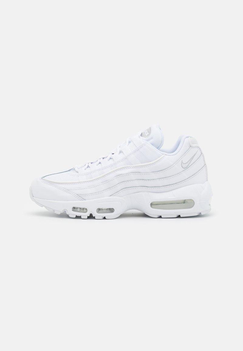 Nike Sportswear - AIR MAX ESSENTIAL - Sneakersy niskie - white/grey fog
