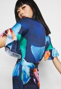 Never Fully Dressed Petite - ARTIST PRINT MARAKESH DRESS - Vapaa-ajan mekko - navy multi - 3