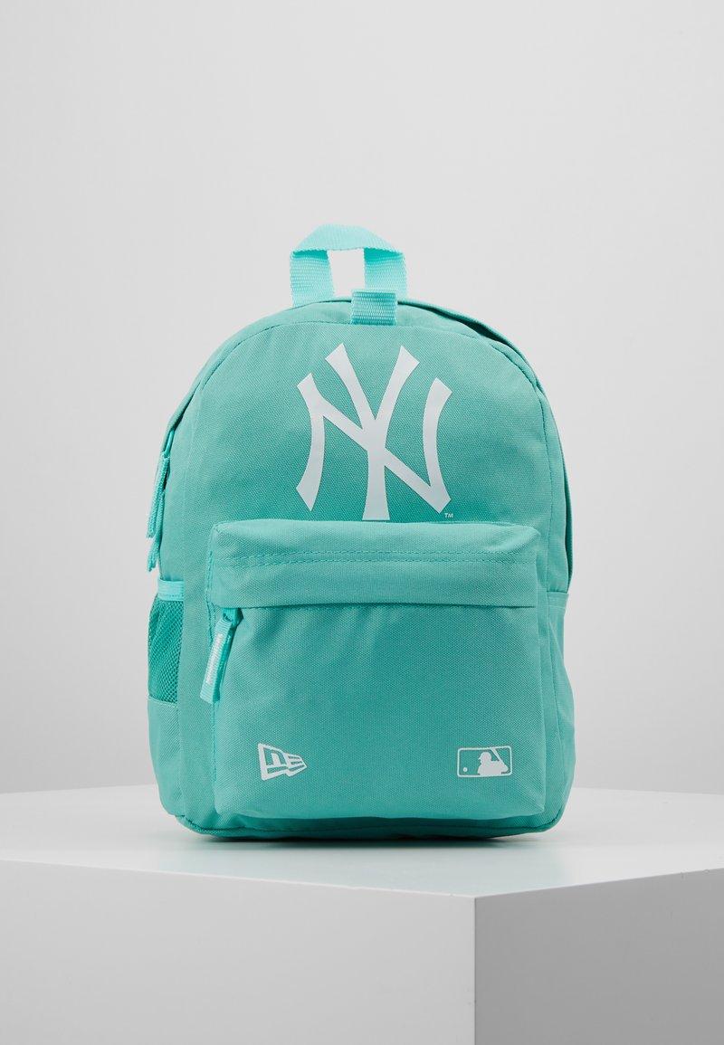 New Era - KIDS STADIUM BACKPACK NEW YORK YANKEES - Sac à dos - open green