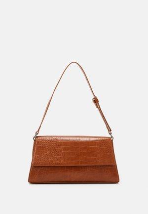 AMIRA BAG - Handväska - croco