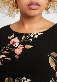 Lauren Ralph Lauren Woman - NOVELLINA CAP SLEEVE DAY DRESS - Jersey dress - black/pink/multi - 8