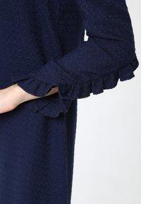 Madam-T - Robe en jersey - blau - 5