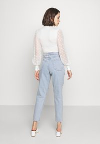 Topshop - SOFIA RIP MOM - Relaxed fit jeans - super bleach - 2