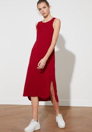 TRENDYOL TWOSS19VG0317 - Vestido informal - burgundy