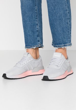 U_PATH X - Matalavartiset tennarit - light solid grey/footwear white