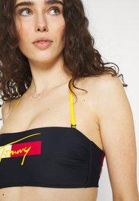 Tommy Hilfiger - BANDEAU FIXED - Bikini top - desert sky - 4