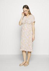 MAMALICIOUS - MLCAMMI DRESS - Sukienka letnia - snow white - 0