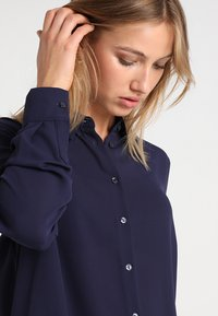 New Look - PLAIN LEAD - Skjorte - navy - 4