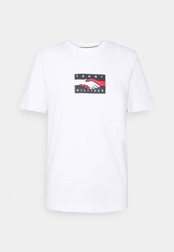 ONE PLANET TEE UNISEX - T-shirt med print - white