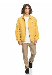 Quiksilver - Light jacket - honey - 1