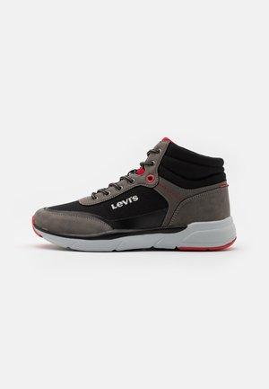 PARRY MID - Sneakersy wysokie - grey/black