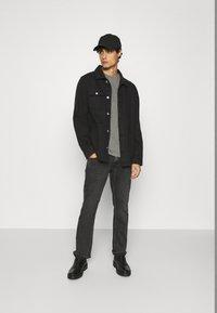Tommy Hilfiger - T-shirt basic - grey - 1