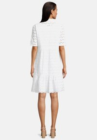 Betty & Co - Day dress - weiß - 1