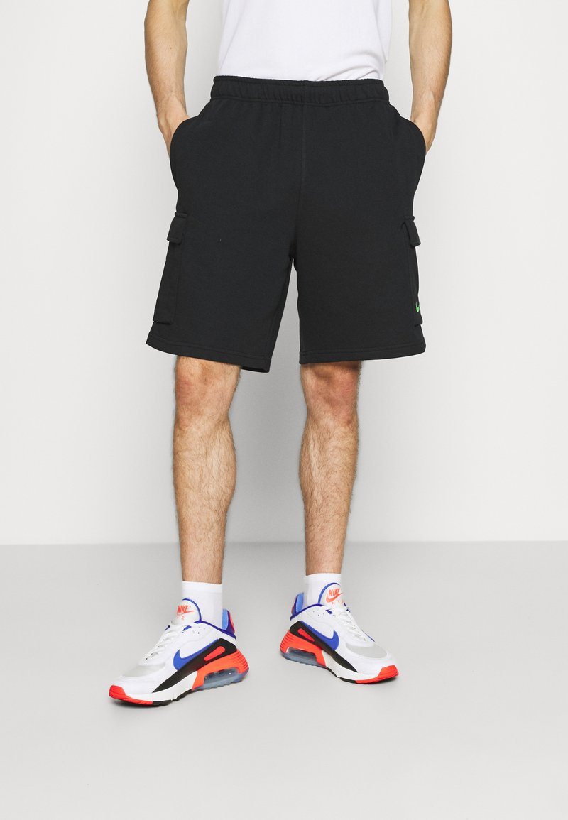 Nike Sportswear - ZIGZAG - Shorts - black