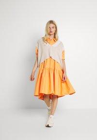 Missguided - OVERSIZED SHIRT MIDI DRESS - Maxi dress - orange - 1