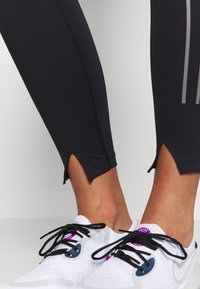 Nike Performance - SPEED 7/8 MATTE - Leggings - black/gunsmoke - 3