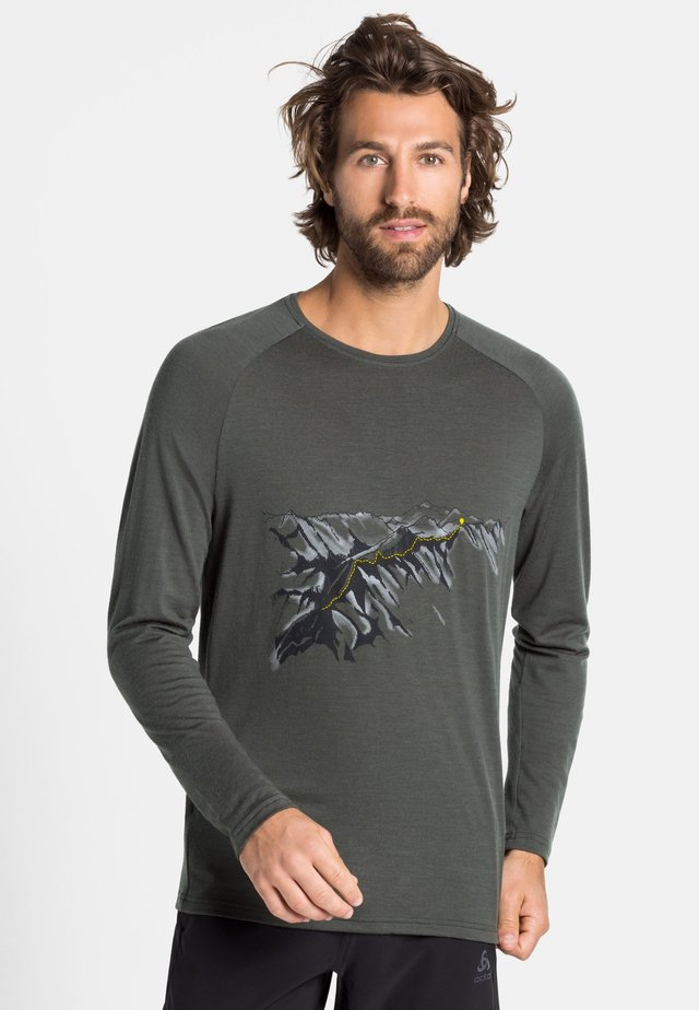 ALLIANCE - Long sleeved top - climbing ivy - mountain print