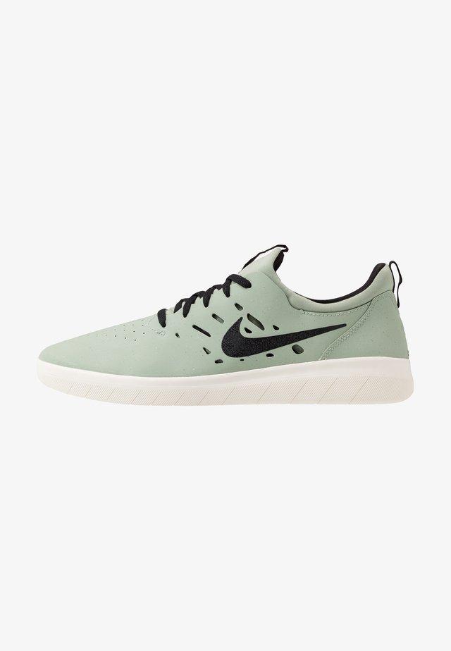 NYJAH FREE - Skateschuh - jade horizon/black/pale ivory