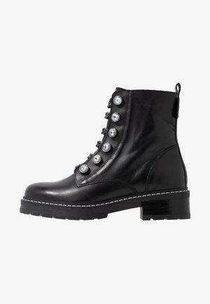 BAX - Kovbojské/motorkářské boty - black