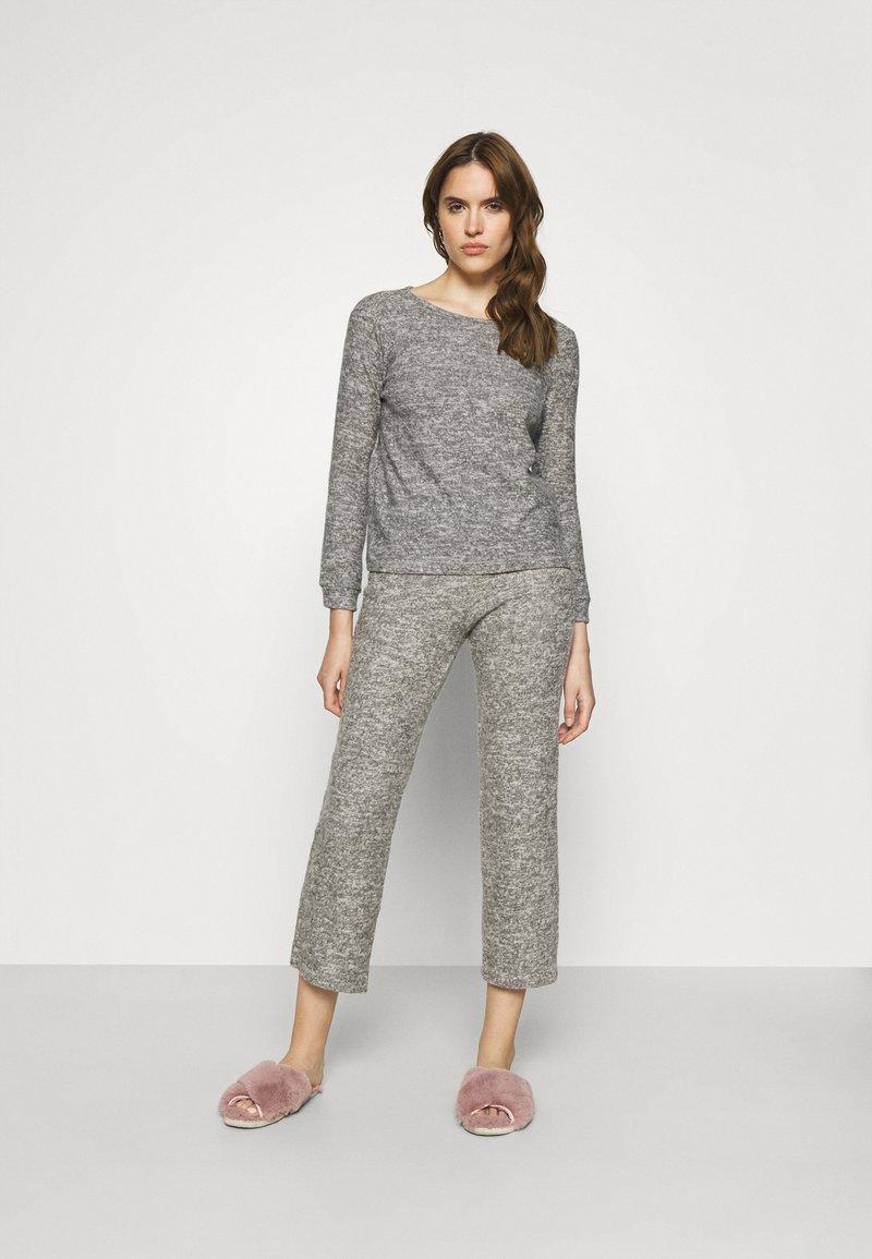 Trendyol - Pyjamas - gray